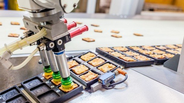 Food-firms-offered-easy-clean-robots_strict_xxl.jpg